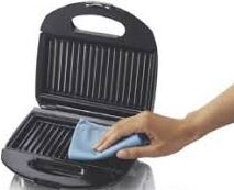 how to clean a panini press or sandwich maker