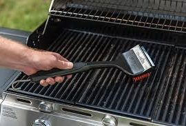how to clean a gas grill