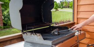 how to clean a pellet grill
